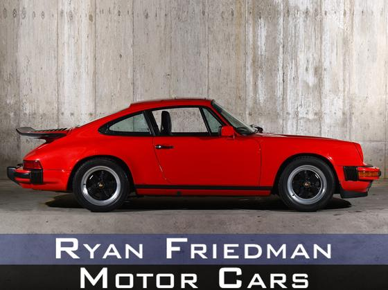 1986 Porsche 911 Carrera:24 car images available