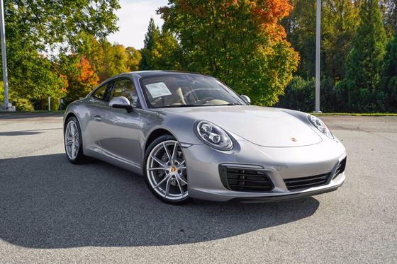 2017 Porsche 911 Carrera:24 car images available