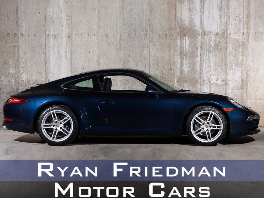 2016 Porsche 911 Carrera:24 car images available