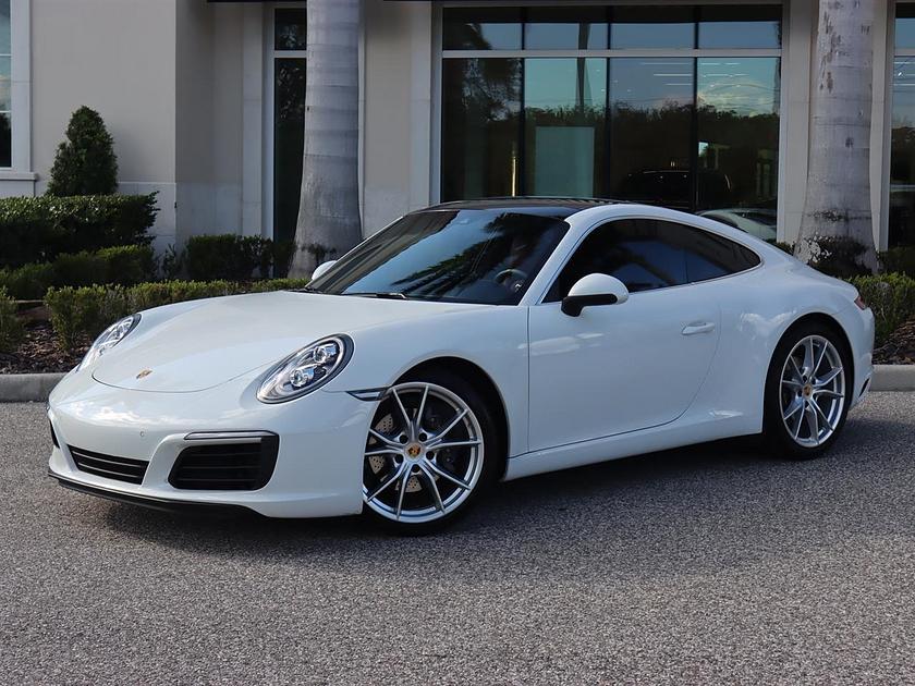 2018 Porsche 911 Carrera:24 car images available