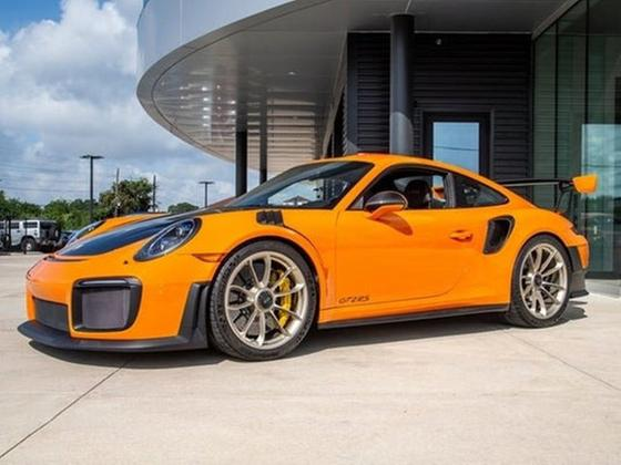 2018 Porsche 911 GT2 RS:3 car images available