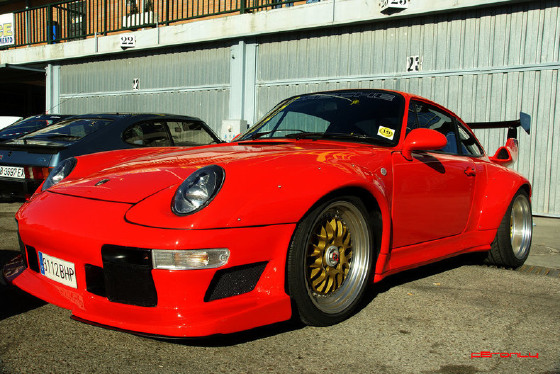 1996 Porsche 911 GT2 : Car has generic photo