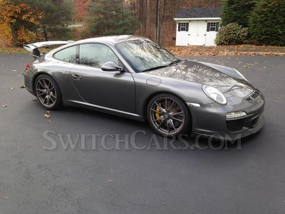 2010 Porsche 911 GT3 : Car has generic photo