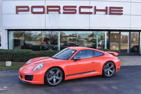2019 Porsche 911 T:24 car images available