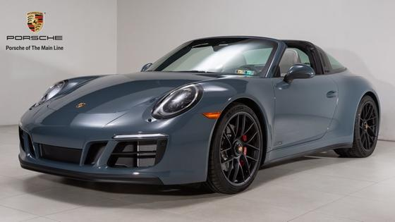 2018 Porsche 911 Targa 4 GTS:24 car images available