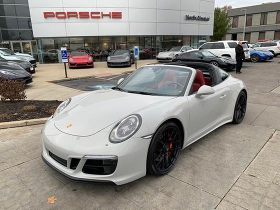 2018 Porsche 911 Targa 4 GTS:24 car images available