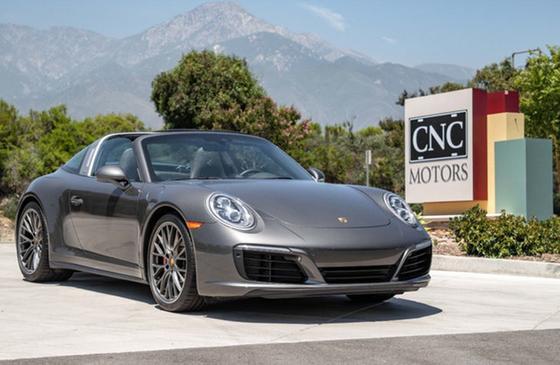 2019 Porsche 911 Targa 4S:24 car images available
