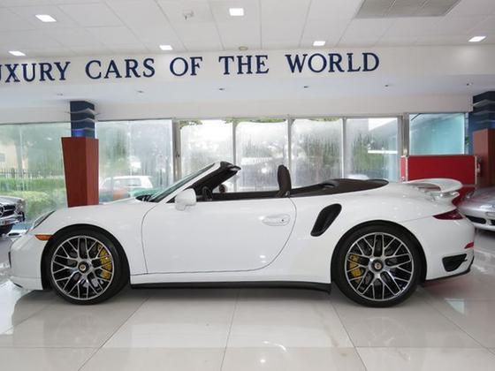 2015 Porsche 911 Turbo S Cabriolet:24 car images available