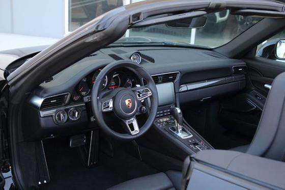2019 Porsche 911 Turbo S Cabriolet