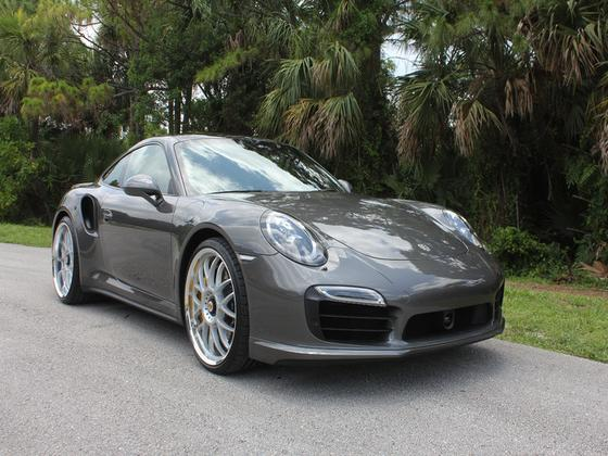 2016 Porsche 911 Turbo S:9 car images available