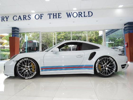 2015 Porsche 911 Turbo S:24 car images available