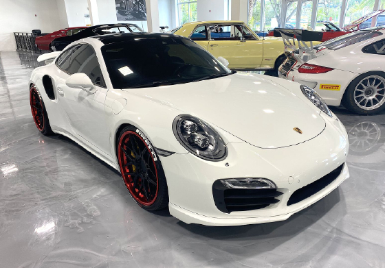 2014 Porsche 911 Turbo S:6 car images available