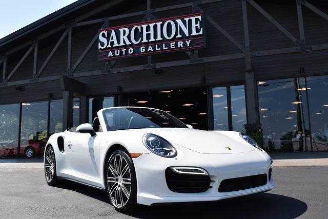 2016 Porsche 911 Turbo:24 car images available