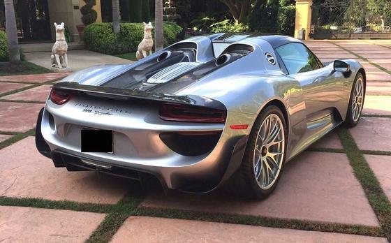 2015 Porsche 918 Spyder:5 car images available