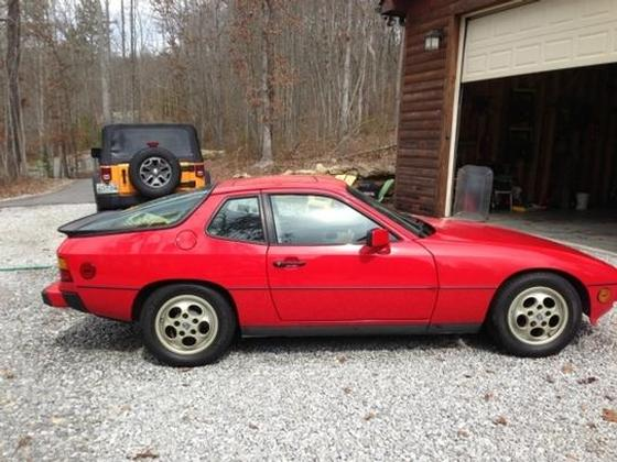 1987 Porsche 924 S:4 car images available