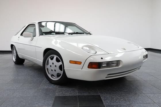 1991 Porsche 928 GT:24 car images available