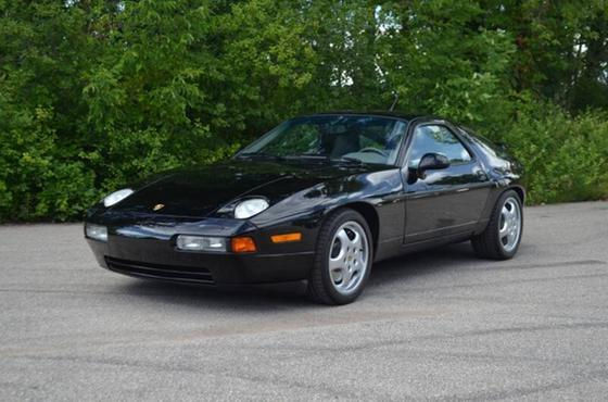 1993 Porsche 928 GTS:24 car images available