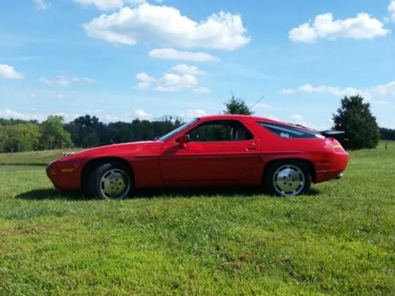1989 Porsche 928 S4:5 car images available