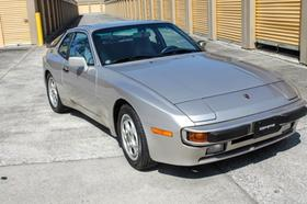 1988 Porsche 944 :24 car images available