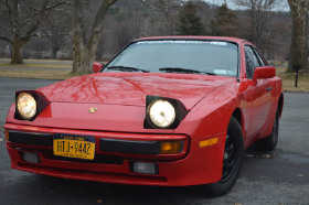 1983 Porsche 944 :8 car images available