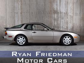 1989 Porsche 944 :24 car images available