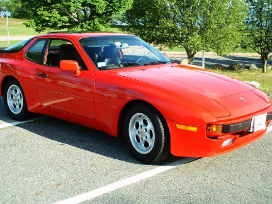 1985 Porsche 944 :6 car images available