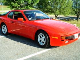 1985 Porsche 944 :6 car images available
