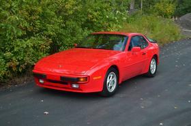 1989 Porsche 944 :24 car images available