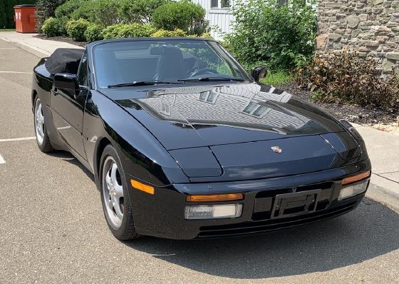 1990 Porsche 944 S2 Cabriolet:12 car images available