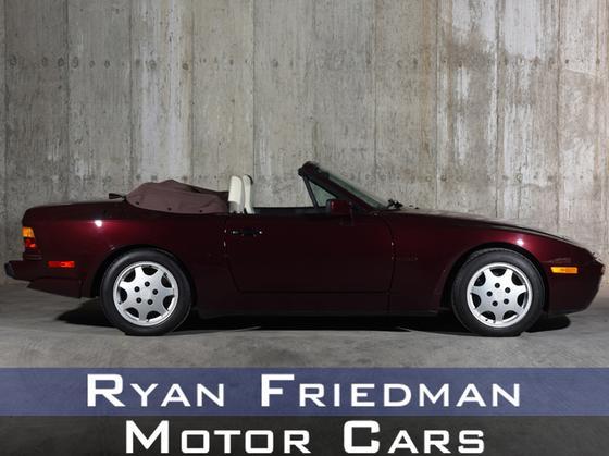 1990 Porsche 944 S2:24 car images available