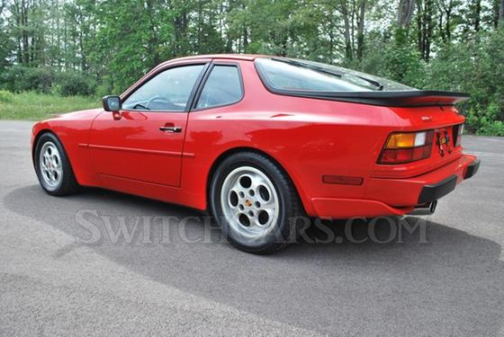 1987 Porsche 944 Turbo:24 car images available
