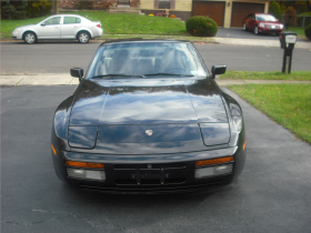 1988 Porsche 944 Turbo:4 car images available