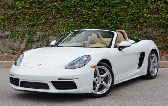 2017 Porsche Boxster 718:24 car images available