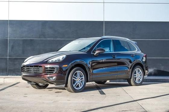 2016 Porsche Cayenne Diesel : Car has generic photo
