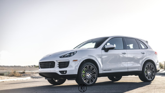 2017 Porsche Cayenne S E-Hybrid:3 car images available