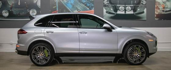 2017 Porsche Cayenne S E-Hybrid:24 car images available