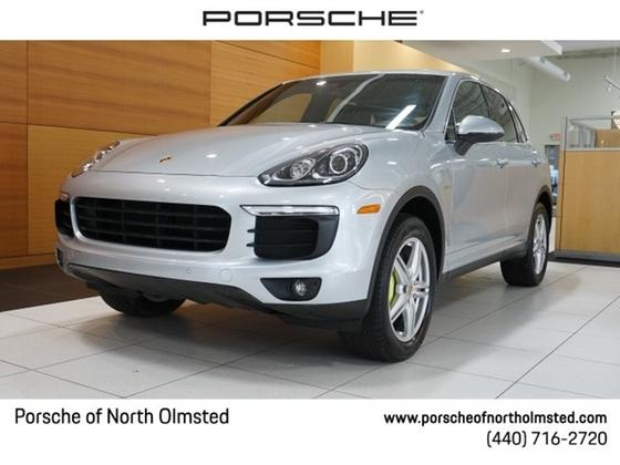 2015 Porsche Cayenne S Hybrid:24 car images available