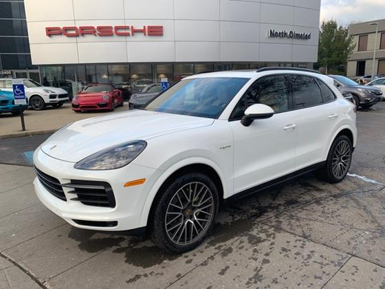 2019 Porsche Cayenne S Hybrid:18 car images available