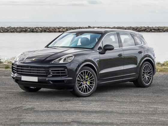 2019 Porsche Cayenne S Hybrid : Car has generic photo