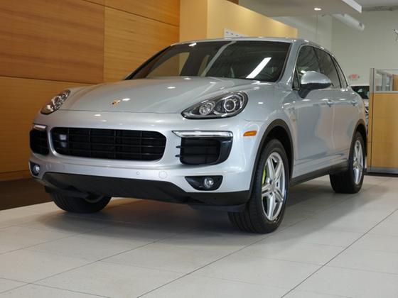 2016 Porsche Cayenne S Hybrid:24 car images available