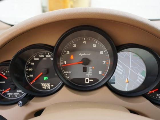 2011 Porsche Cayenne S Hybrid