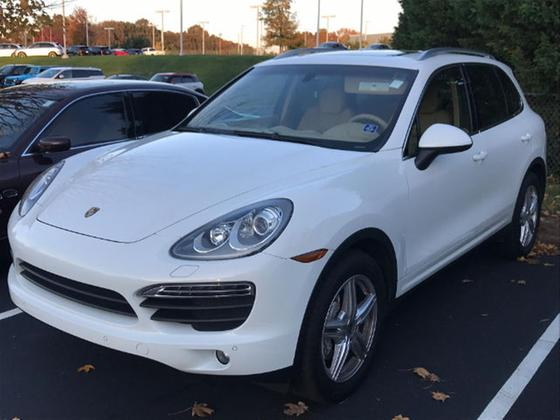 2014 Porsche Cayenne S:2 car images available