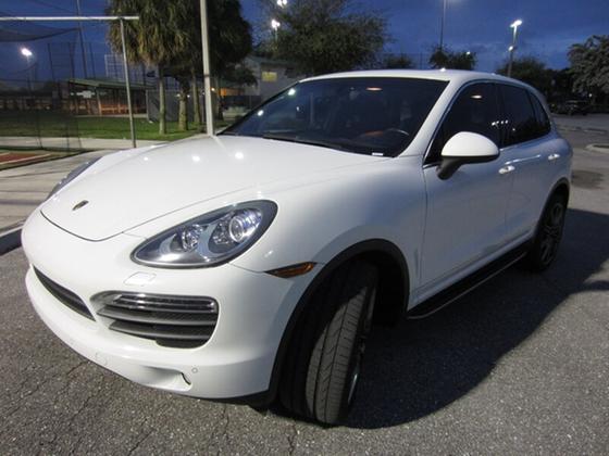 2012 Porsche Cayenne S:20 car images available