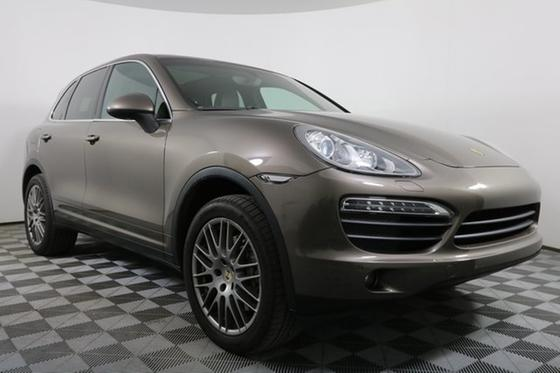2013 Porsche Cayenne S:24 car images available