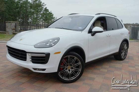 2015 Porsche Cayenne Turbo:24 car images available