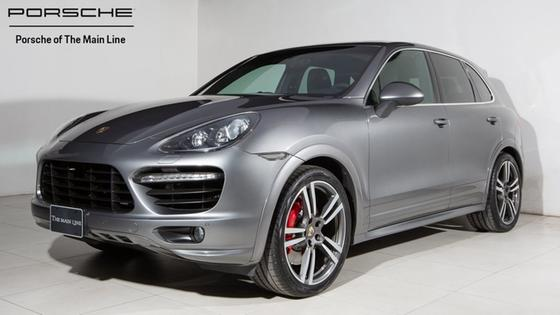 2013 Porsche Cayenne Turbo:22 car images available