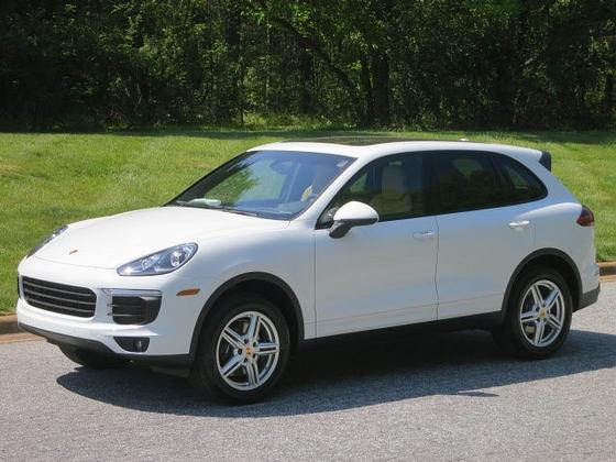 2017 Porsche Cayenne V6:24 car images available