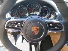 2017 Porsche Cayenne V6
