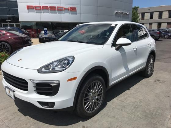 2016 Porsche Cayenne V6:23 car images available
