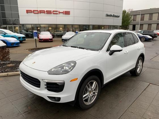 2016 Porsche Cayenne V6:15 car images available